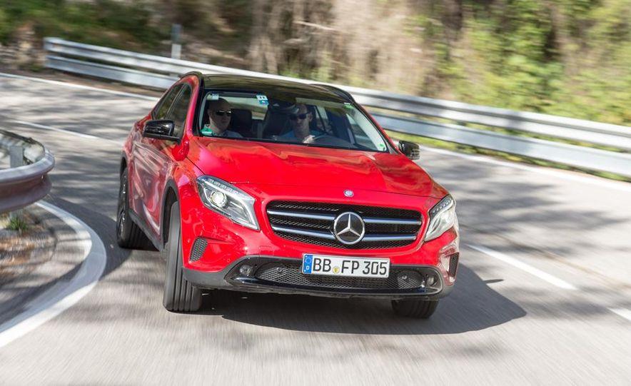 2015 Mercedes-Benz GLA-class - Slide 2