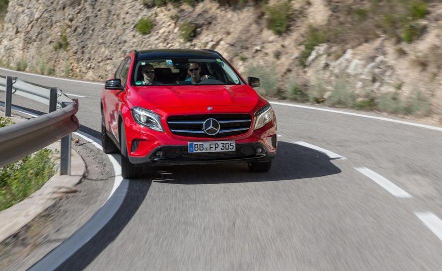 2015 Mercedes-Benz GLA-class - Slide 5