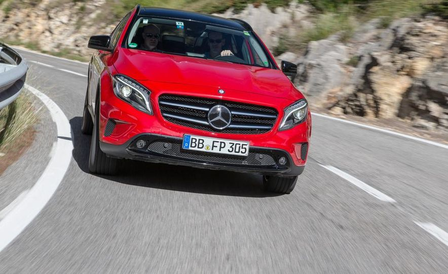 2015 Mercedes-Benz GLA-class - Slide 7