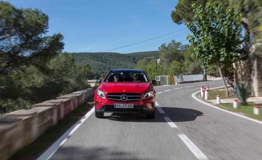 2015 Mercedes-Benz GLA-class - Slide 9