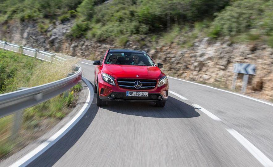 2015 Mercedes-Benz GLA-class - Slide 11