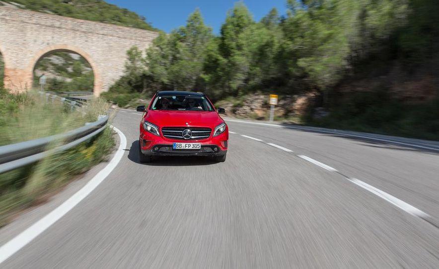 2015 Mercedes-Benz GLA-class - Slide 15