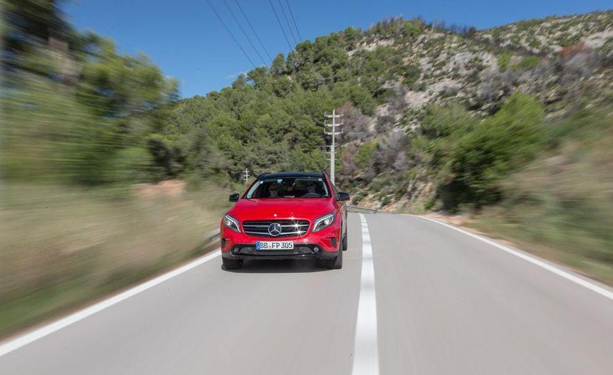 2015 Mercedes-Benz GLA-class - Slide 16