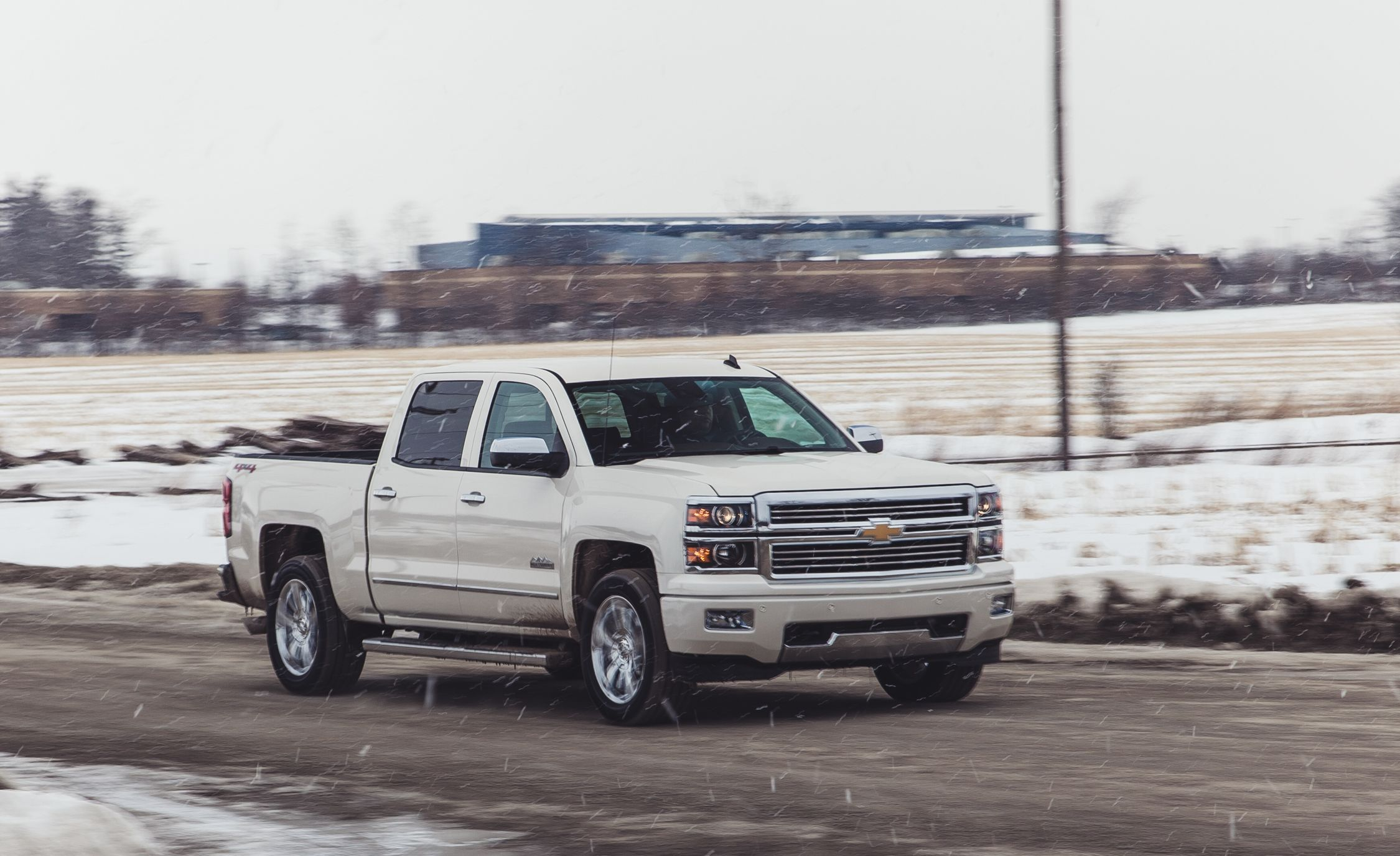 2014 Chevrolet Silverado 6 2l V 8 4x4 Test Review Car And Driver