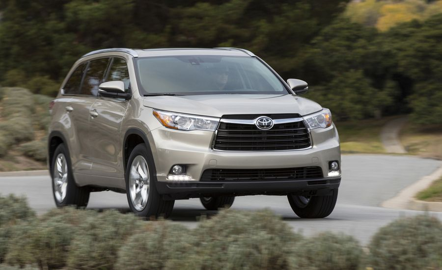 2014 toyota highlander first drive review car and driver. Black Bedroom Furniture Sets. Home Design Ideas