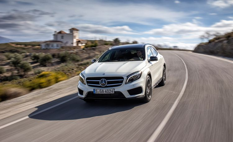 2015 Mercedes-Benz GLA-class / GLA250 / GLA45 AMG