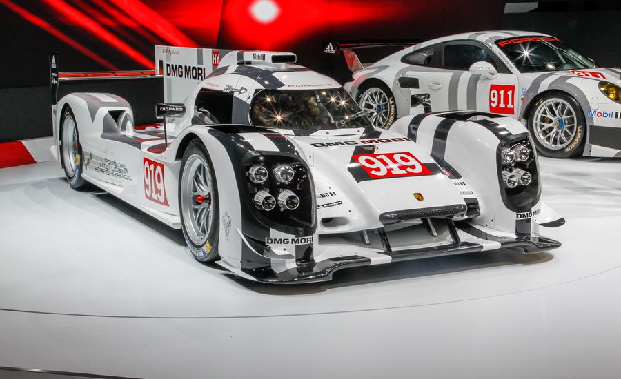 porsche 919 hybrid le mans prototype auto shows car and driver. Black Bedroom Furniture Sets. Home Design Ideas