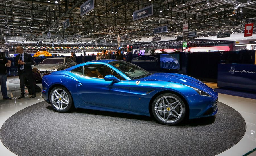 2015 Ferrari California T Photos And Info News Car And Driver