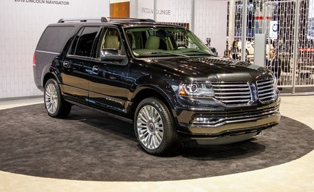 2015 Lincoln Navigator: Full Speed Behind