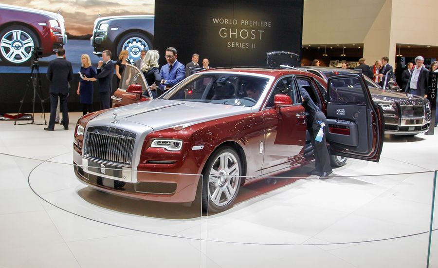 2015 rolls royce ghost series ii photos and info news car and driver. Black Bedroom Furniture Sets. Home Design Ideas