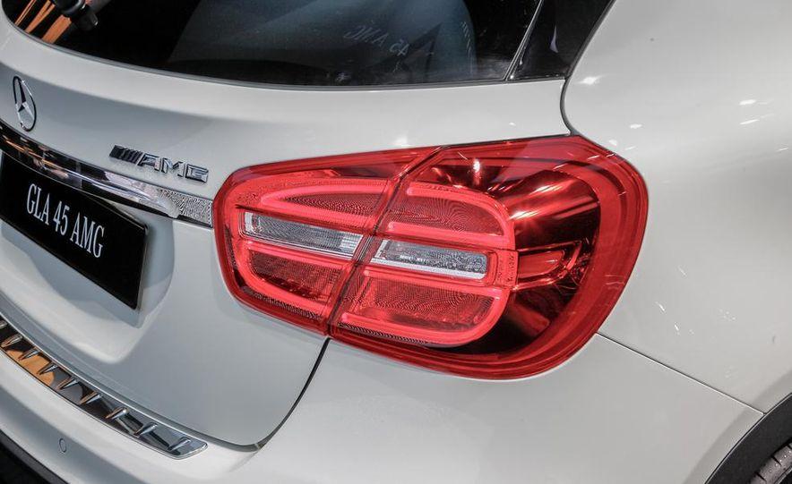 2015 Mercedes-Benz GLA45 AMG - Slide 15