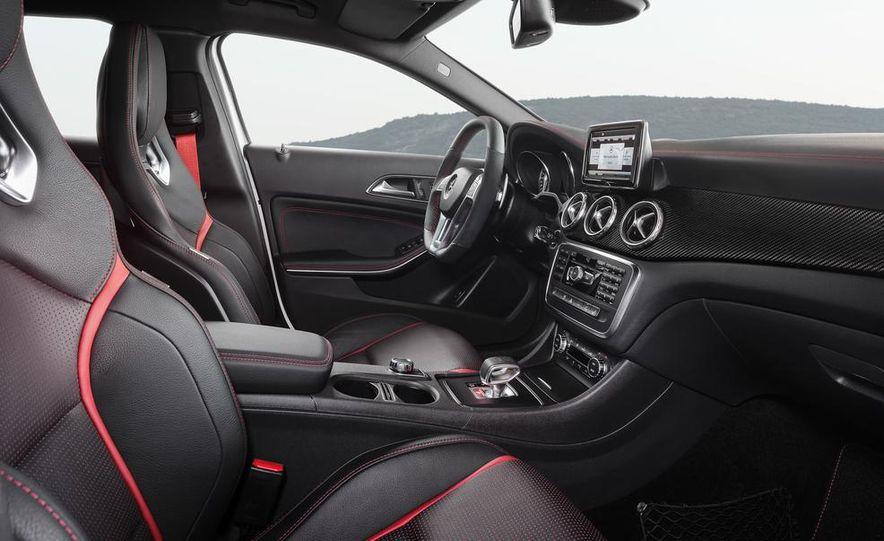 2015 Mercedes-Benz GLA45 AMG - Slide 22