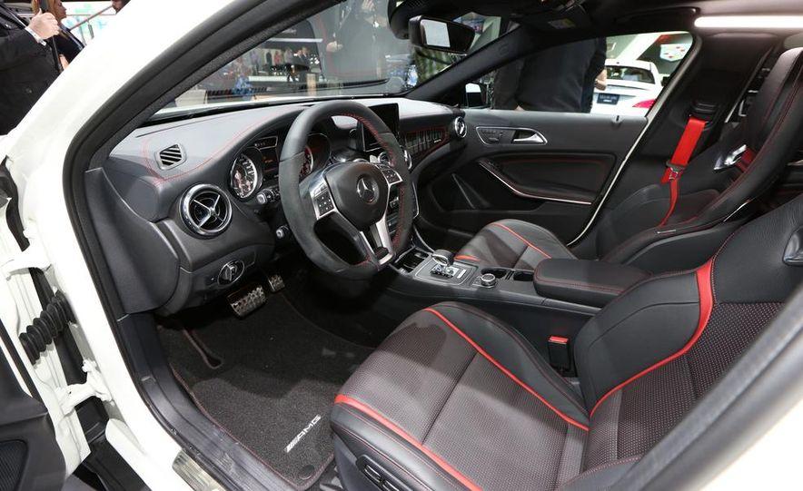 2015 Mercedes-Benz GLA45 AMG - Slide 16
