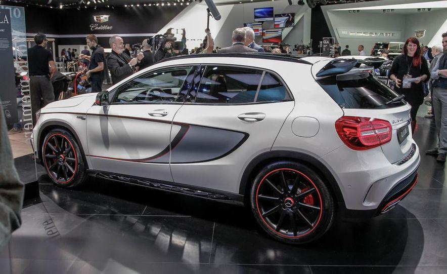 2015 Mercedes-Benz GLA45 AMG - Slide 4