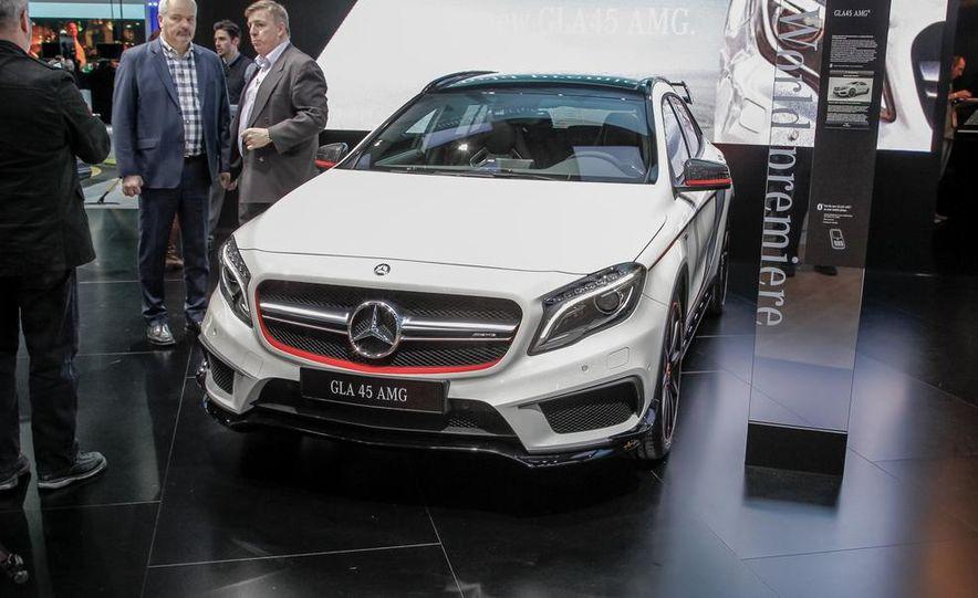 2015 Mercedes-Benz GLA45 AMG - Slide 5