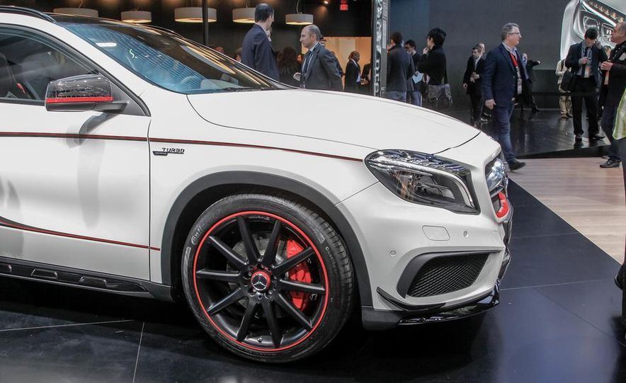 2015 Mercedes-Benz GLA45 AMG - Slide 8