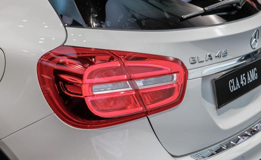 2015 Mercedes-Benz GLA45 AMG - Slide 14