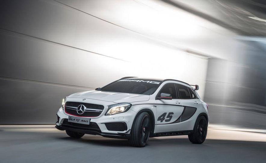 2015 Mercedes-Benz GLA45 AMG - Slide 24