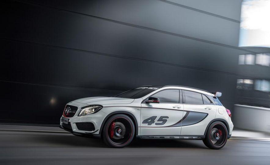 2015 Mercedes-Benz GLA45 AMG - Slide 25