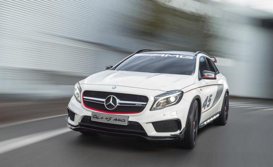 2015 Mercedes-Benz GLA45 AMG - Slide 26