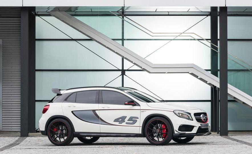 2015 Mercedes-Benz GLA45 AMG - Slide 29