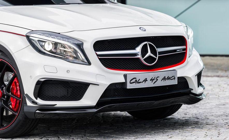 2015 Mercedes-Benz GLA45 AMG - Slide 32