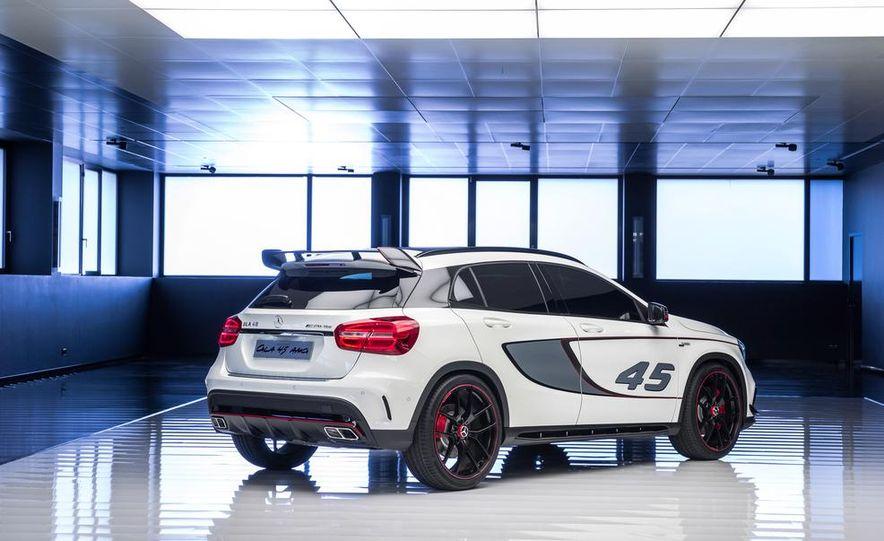 2015 Mercedes-Benz GLA45 AMG - Slide 37