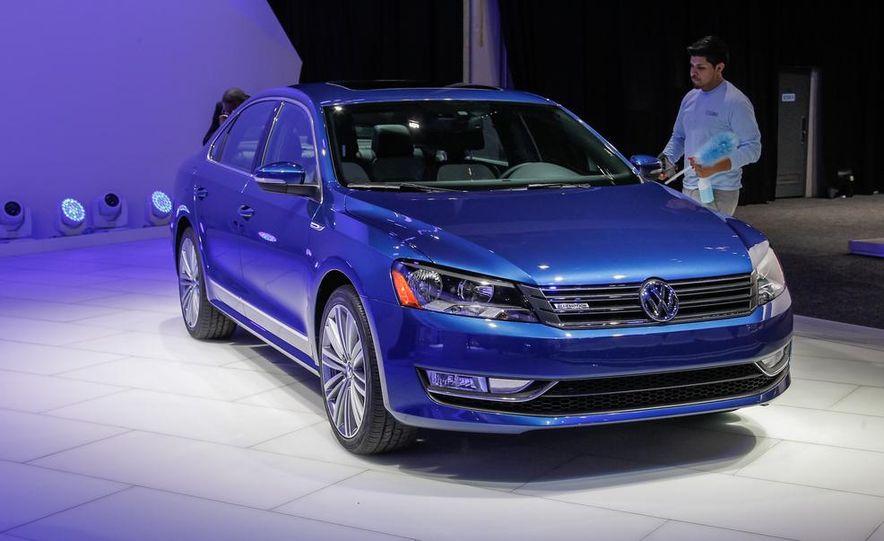 Volkswagen Passat BlueMotion concept - Slide 1