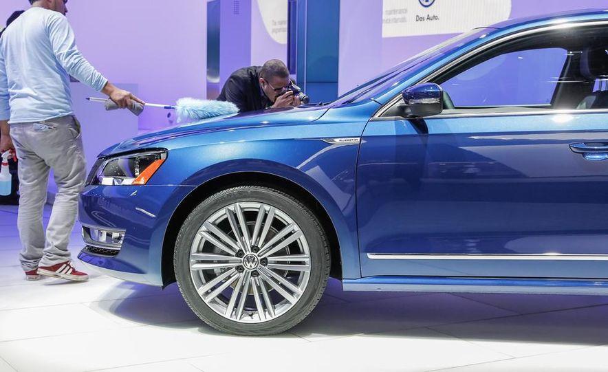 Volkswagen Passat BlueMotion concept - Slide 11