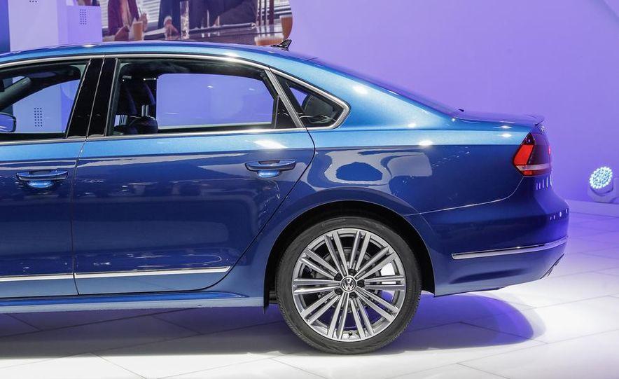 Volkswagen Passat BlueMotion concept - Slide 13