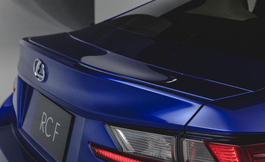 2015 Lexus RC F - Slide 19