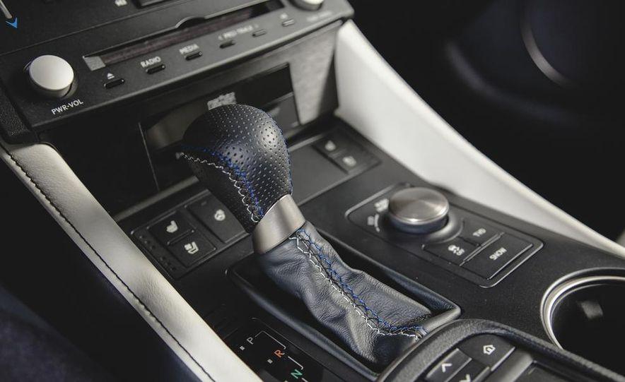 2015 Lexus RC F - Slide 30