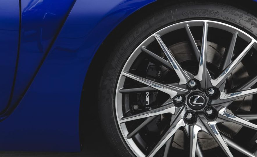 2015 Lexus RC F - Slide 14