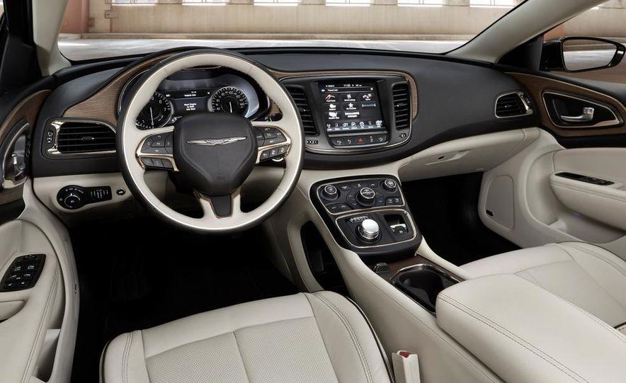 2015 Chrysler 200C - Slide 30