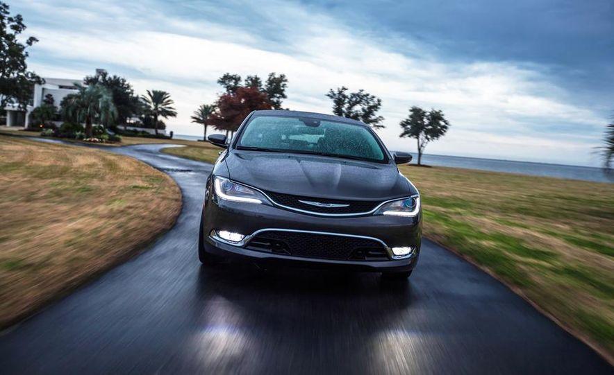 2015 Chrysler 200C - Slide 3
