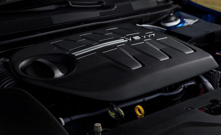 2015 Chrysler 200C - Slide 74