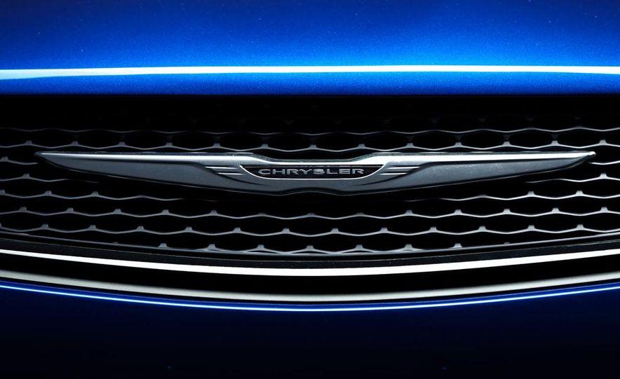 2015 Chrysler 200C - Slide 59