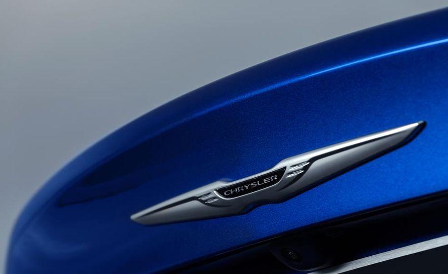 2015 Chrysler 200C - Slide 64