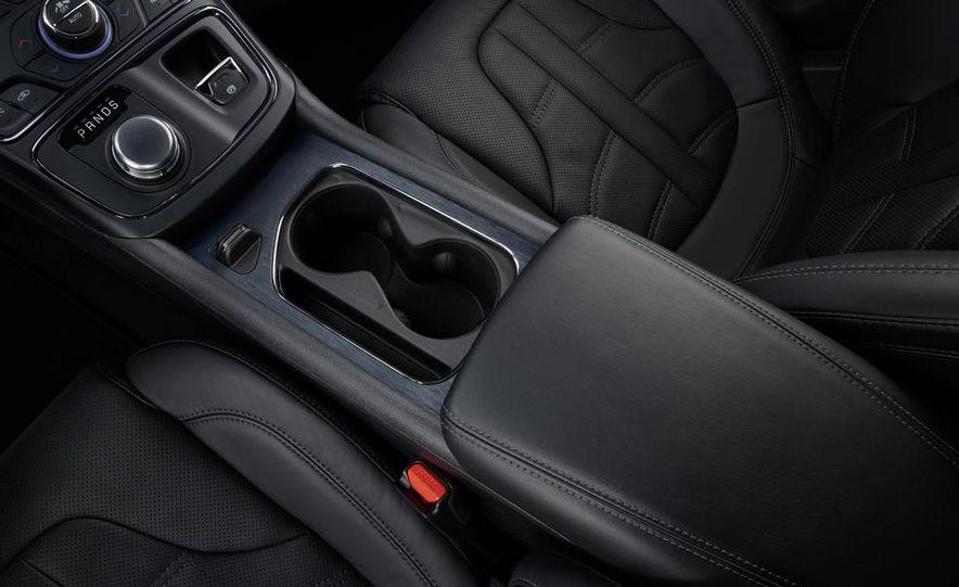 2015 Chrysler 200C - Slide 68