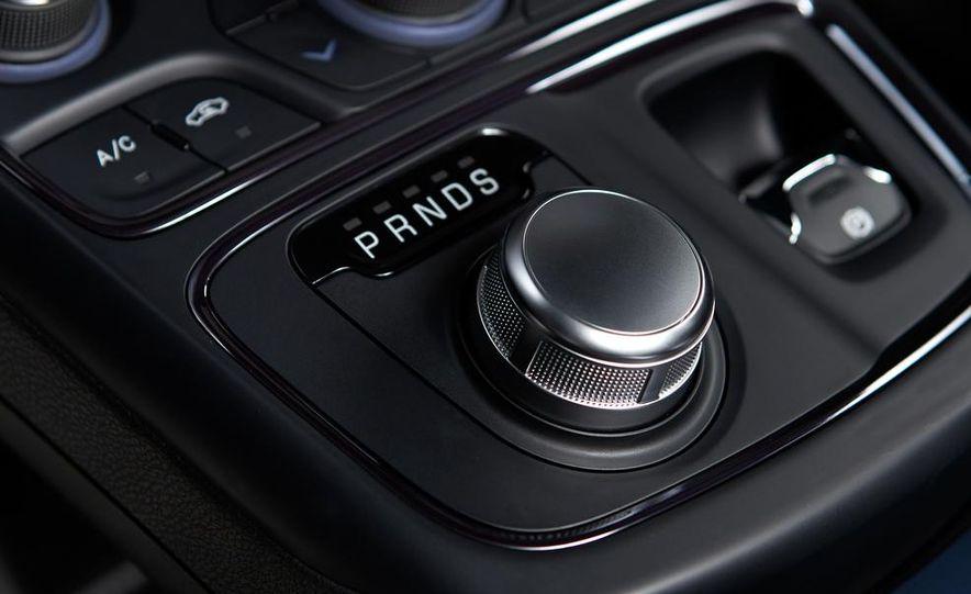 2015 Chrysler 200C - Slide 70