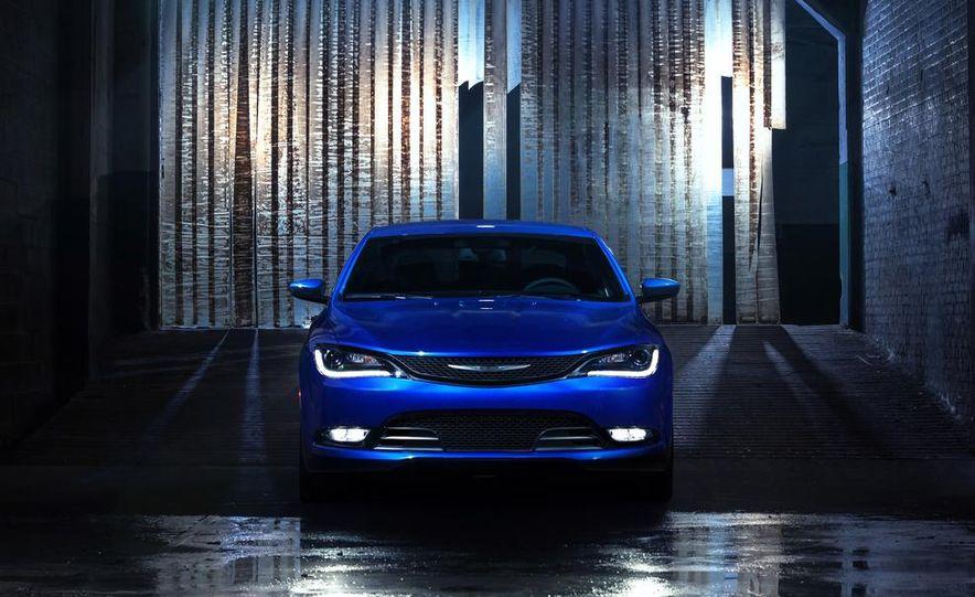 2015 Chrysler 200C - Slide 46