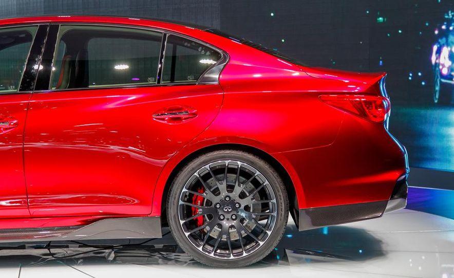 Infiniti Q50 Eau Rouge concept - Slide 18