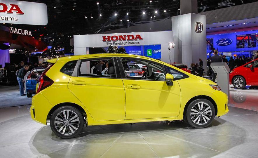 2015 Honda Fit - Slide 3