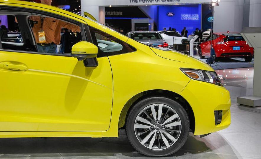 2015 Honda Fit - Slide 8