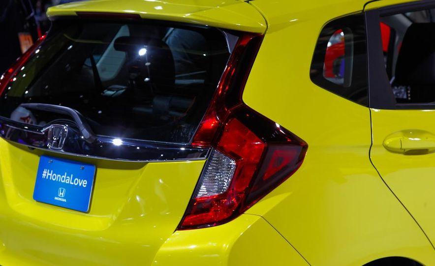 2015 Honda Fit - Slide 12