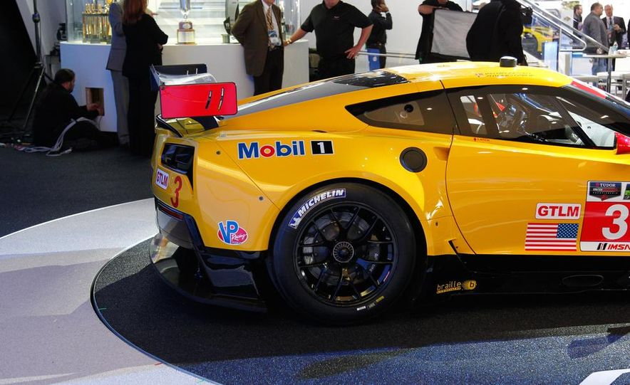 Corvette C7.R race car - Slide 9
