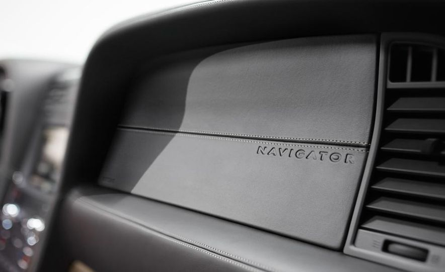 2015 Lincoln Navigator L - Slide 28