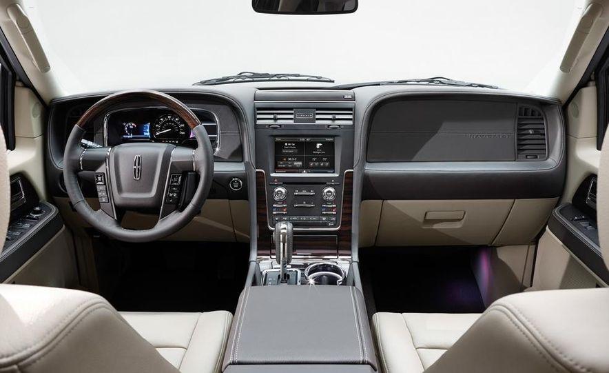 2015 Lincoln Navigator L - Slide 21