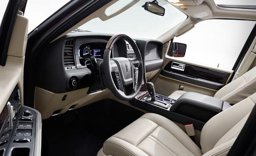 2015 Lincoln Navigator L - Slide 25