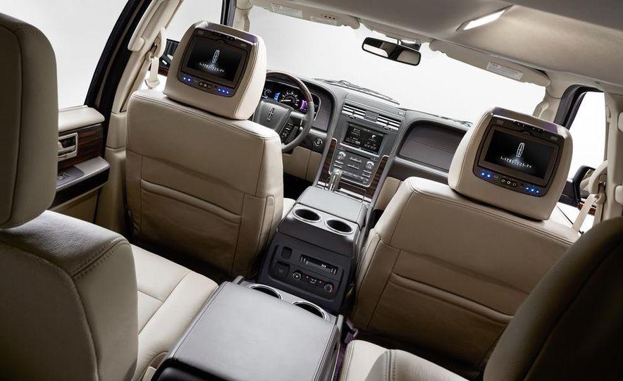 2015 Lincoln Navigator L - Slide 26